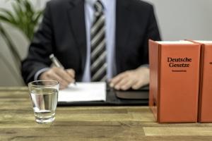 Ehevertrag: Beratung kostenlos zu erhalten, ist in der Regel nicht möglich.