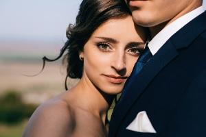 Wie teuer ist ein Ehevertrag? Die Kosten richten sich nach dem Vermögen der (zukünftigen) Ehegatten.