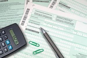 Müssen Sie die Steuerklasse nach der Hochzeit ändern?